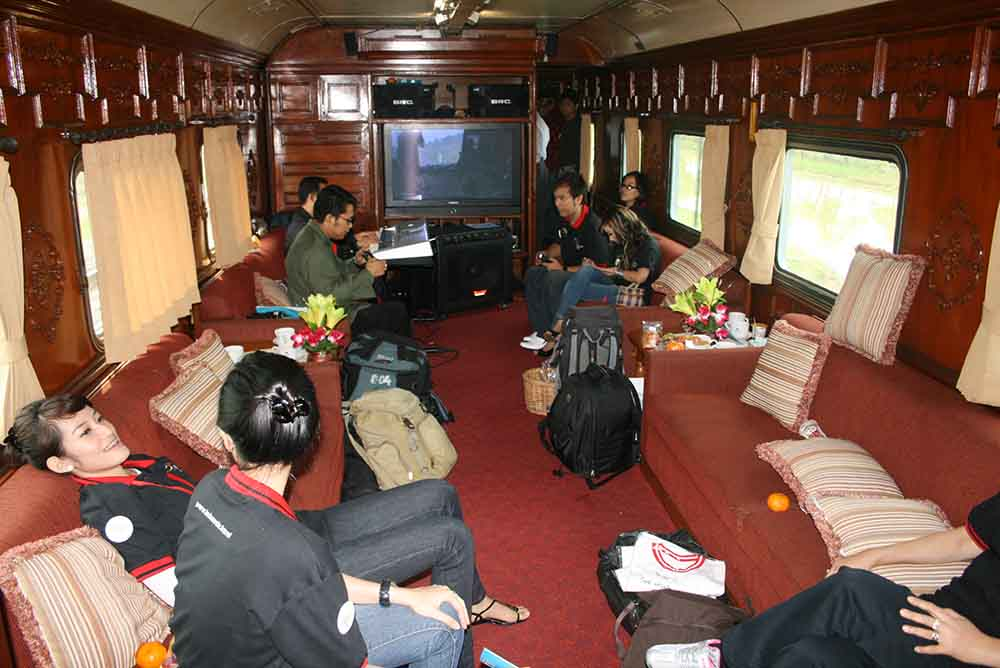 Wisata batik di Pekalongan akan lebih nyaman menggunakan kereta wisata