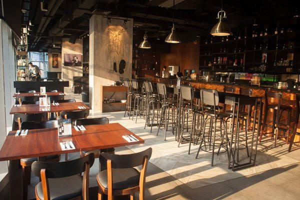 FLOW Bar & Resto
