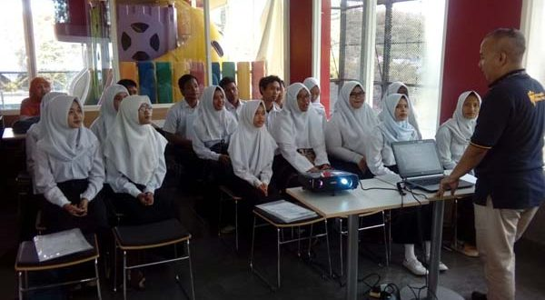 Workshop_SMK_Maleo