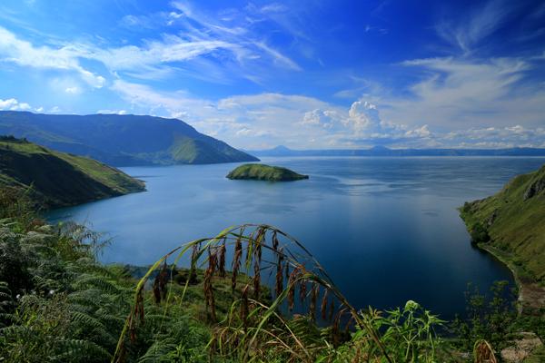 Danau_Toba_dari_Samosir
